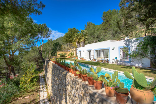 A/ Nice villa with fantastic Country Views!