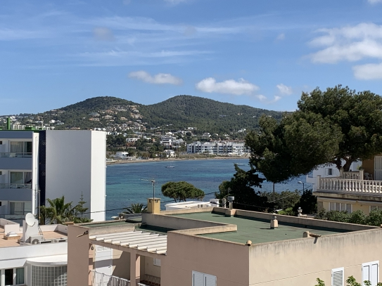 Huge apartment for sale near Talamanca!